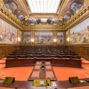 Assistants familiaux : le Conseil d'État favorable au projet de loi d'Adrien Taquet