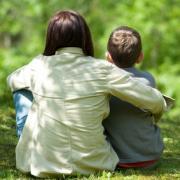 Vers une « réflexion nationale » sur le métier d'assistante familiale