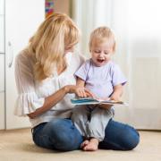 les enfants gardés en crèche ou par une assistante maternelle ont acquis un vocabulaire plus riche que ceux gardés par les parents