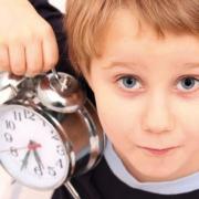 Jusqu'à l'âge de six ans, le temps des horloges n'a pas de sens pour l'enfant.