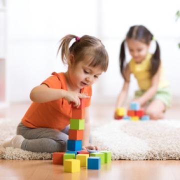 Enfants chez une assistante maternelle