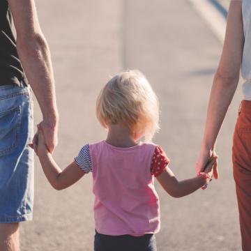 Vie familiale/vie professionnelle : un rapport prône de restructurer l'offre d'accueil